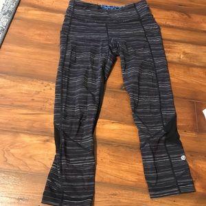 Lululemon size 6 crop leggings with back pocket